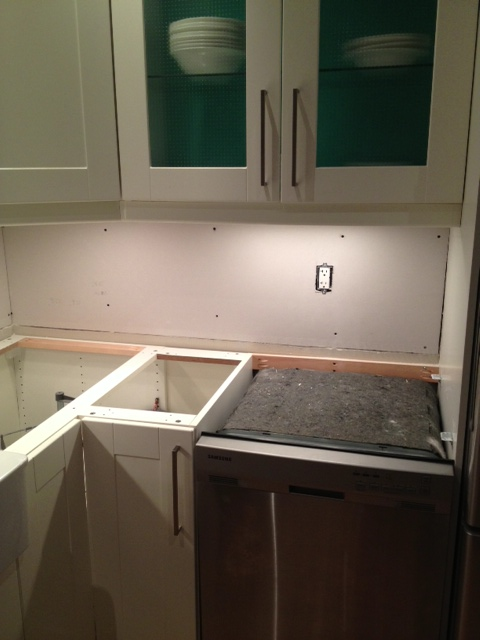 How to replace kitchen backsplash the mirrors are glued for Replacing backsplash