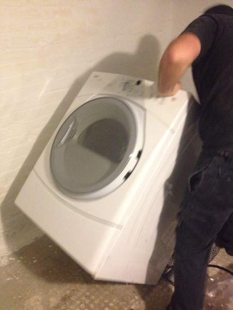 El Granto tipping the dryer