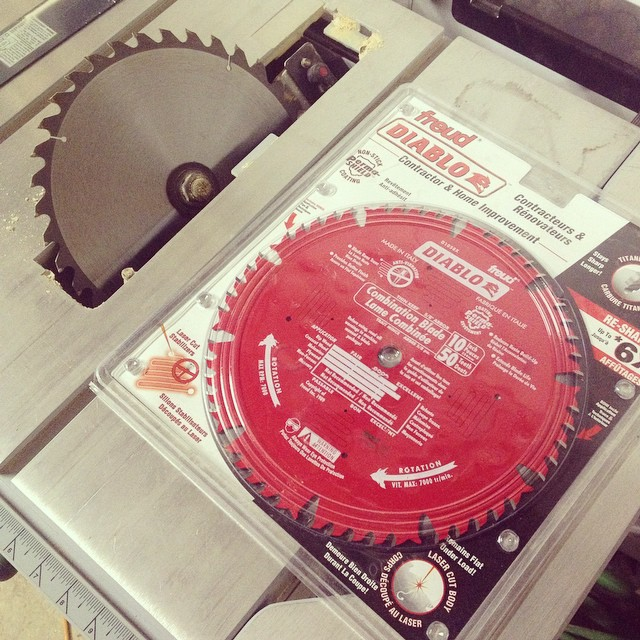 Installing new freud table saw blade