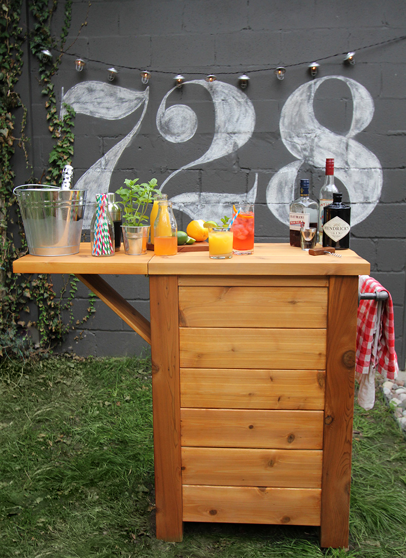 Merry Mag - DIY Outdoor Bar